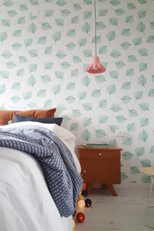 Slaapkamer van blogger Mamoesjka - bed met nachtkastje