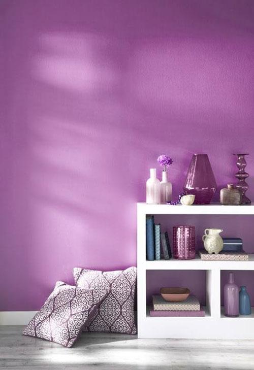 2.-trendkleur-pantone-Radiant-Orchid-wand