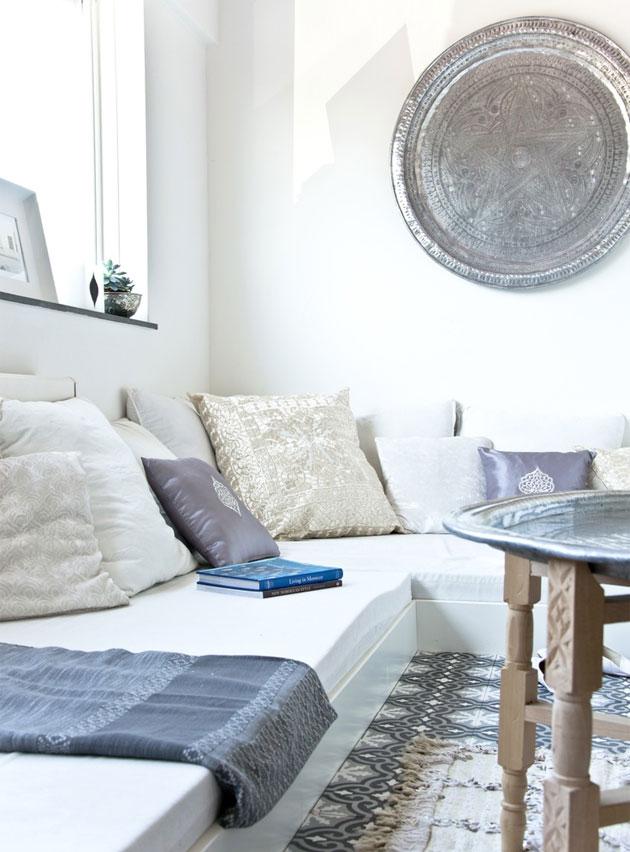 5 manieren om een dienblad te stijlen - Dienblad aan de muur