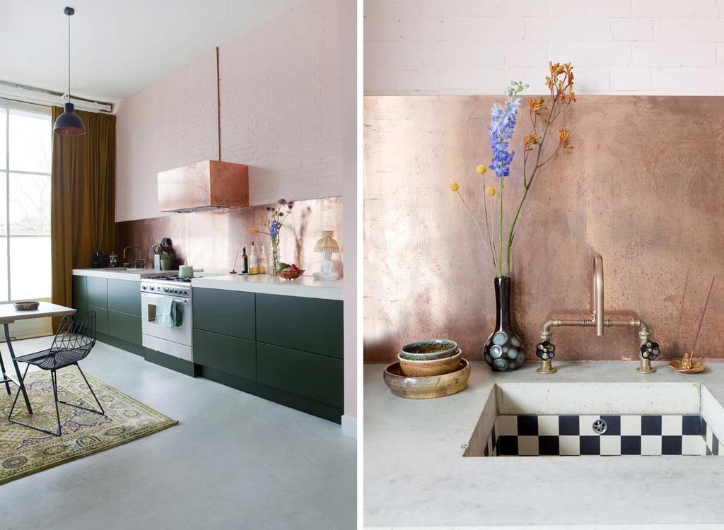 Unieke keuken: groene keuken met een koperen kraan en roze achterwand