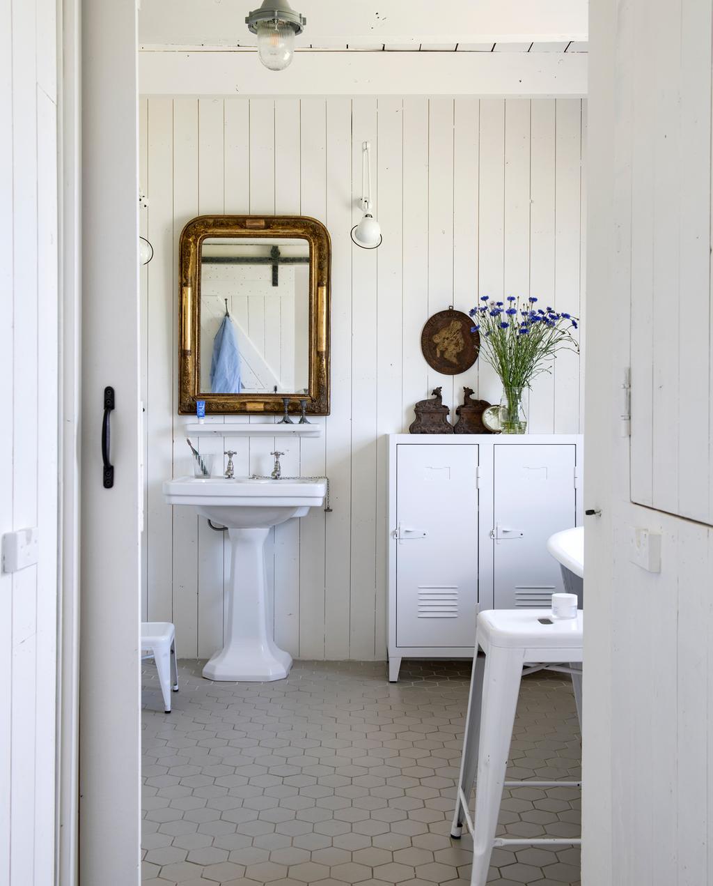 vtwonen binnenkijken special 2019 | badkamer oude elementen