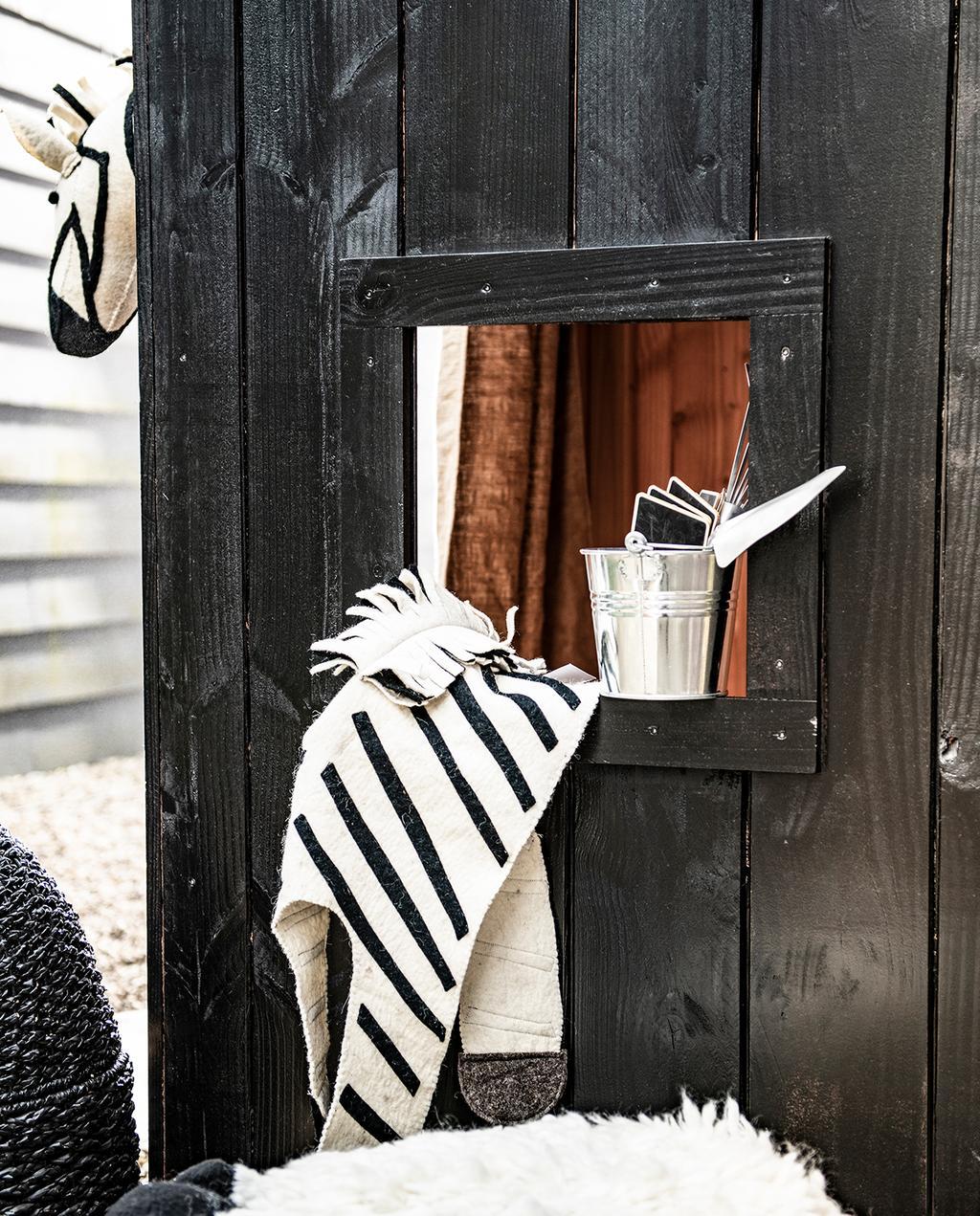vtwonen tuin special 1 2020 | Zebra pak en tin emmertje