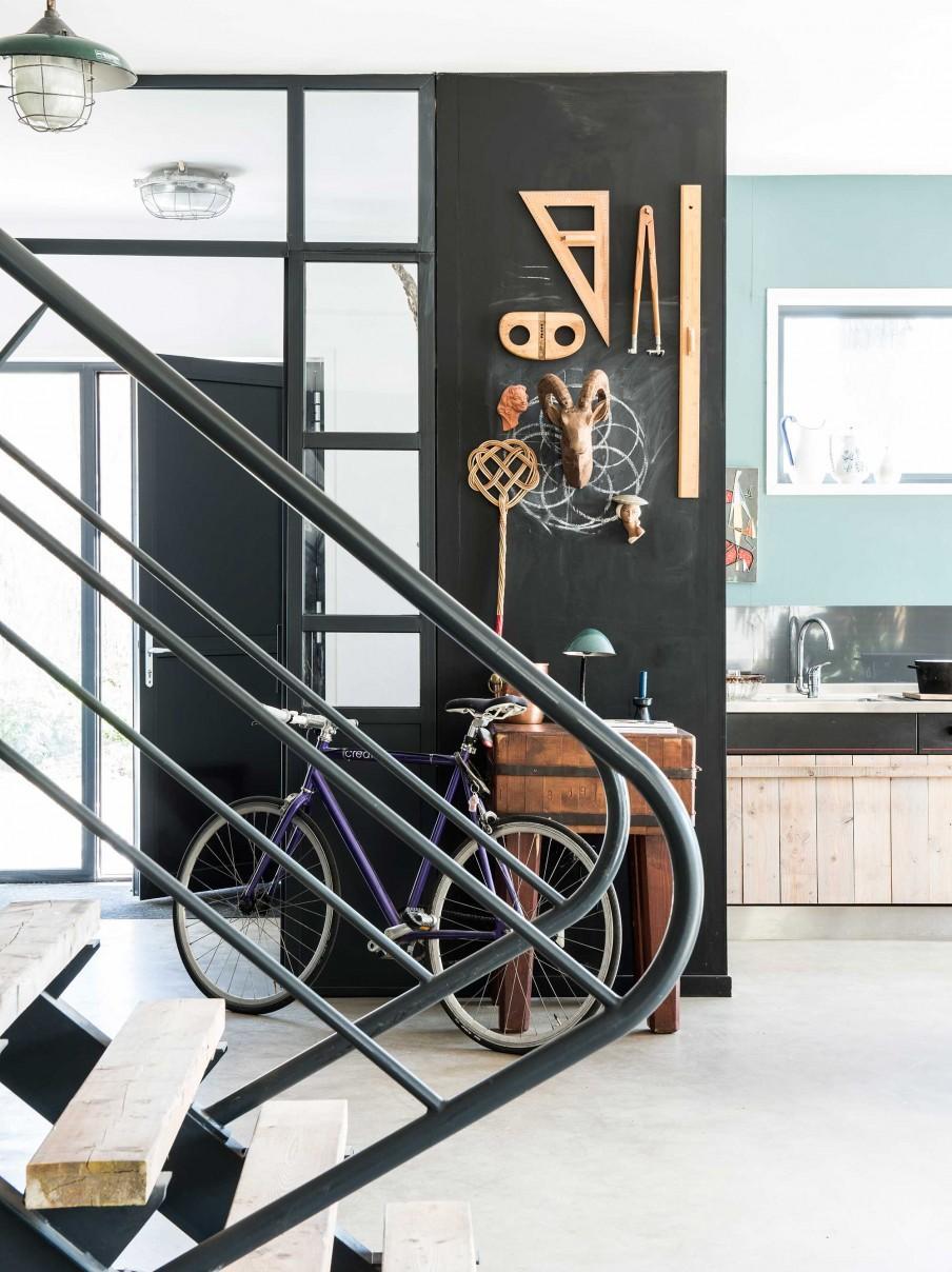 rampe escalier noire