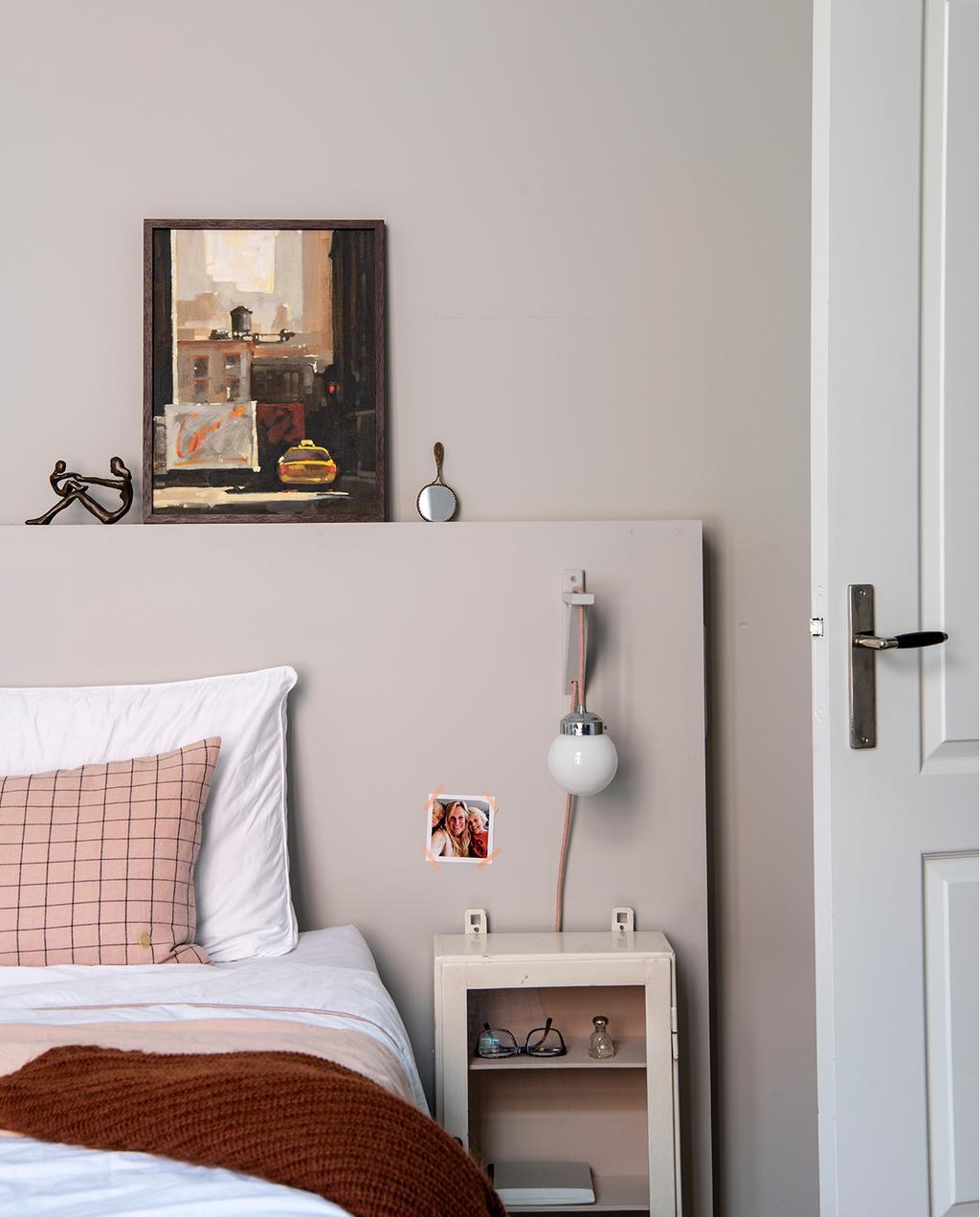 vtwonen 03-2020 | slaapkamer roze aarde tinten gekleurd bedlinnen