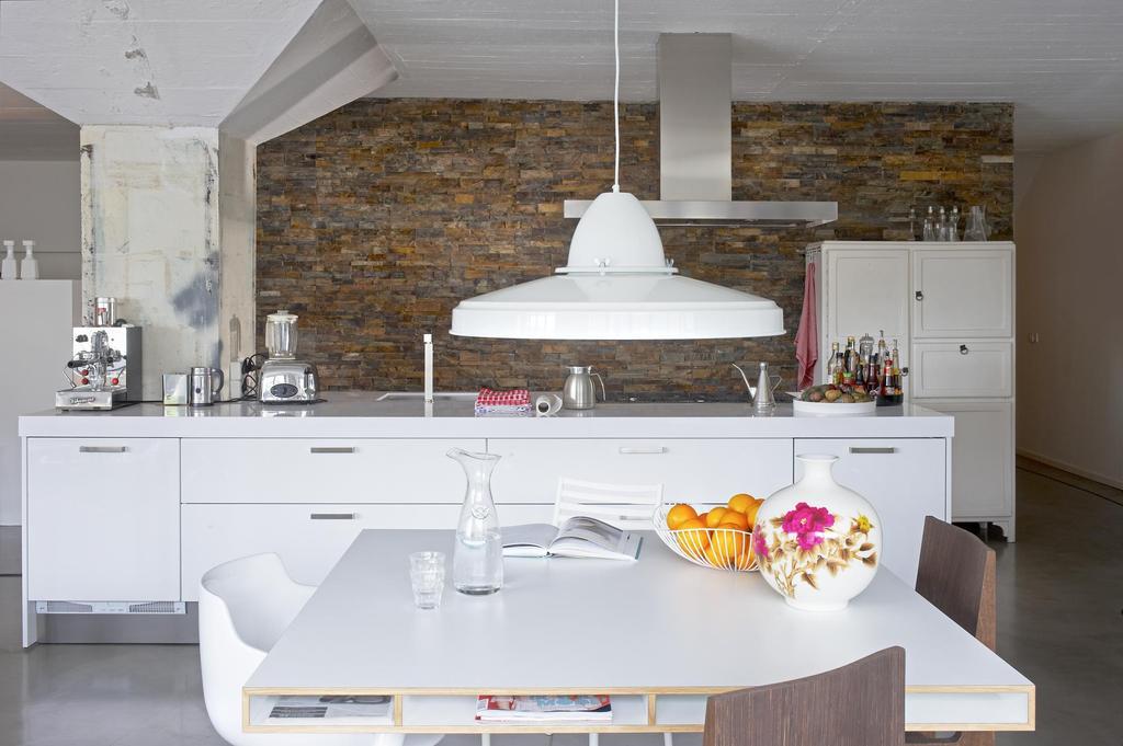 Witte stoeren keuken