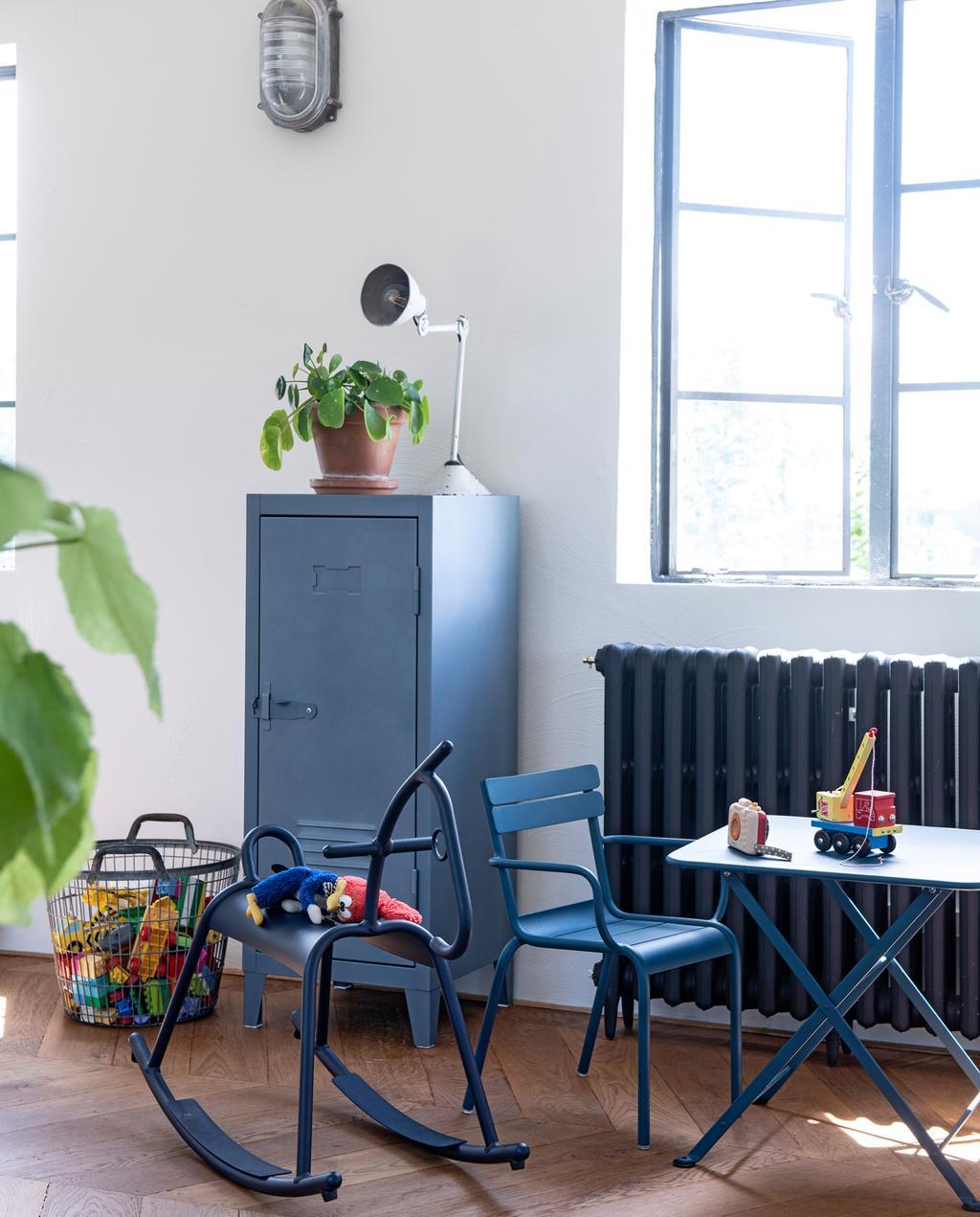 vtwonen binnenkijken special 2019 | kinderkamer blauwe meubels