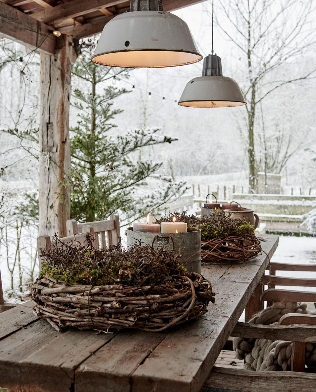 vtwonen 12-2019 | Binnenkijken in een boerderij in Aalten buitentafel