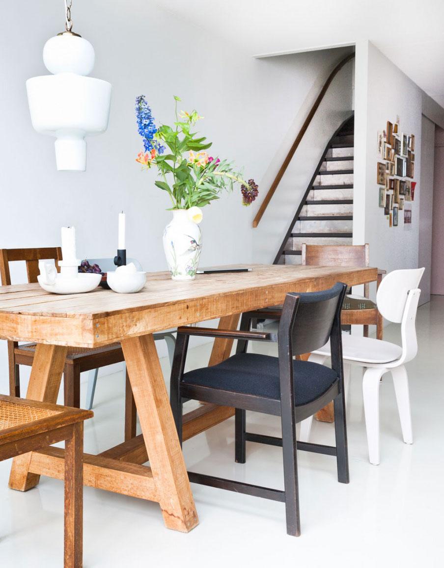 teakhouten-tafel-trap-bloemen