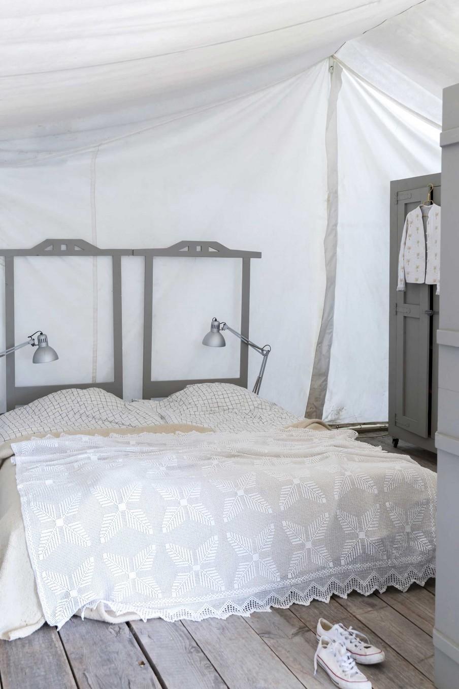 chambre blanc et gris