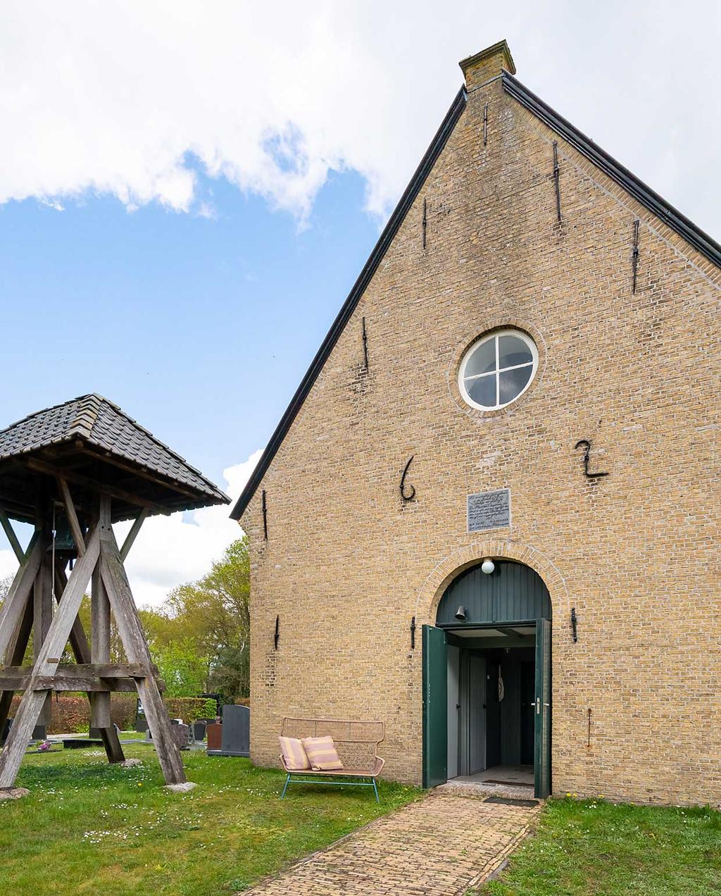 heilige nachten en made.com | overnachten in een opgeknapte kerk | kerk uit 1621 en beltoren