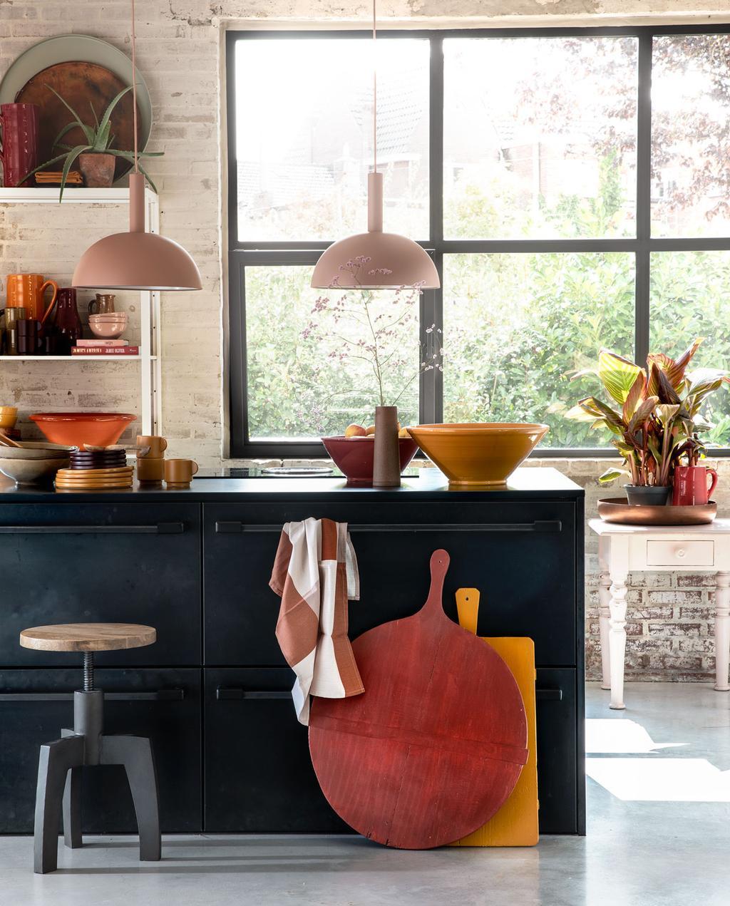 Zo kun je keukenkastjes handig indelen