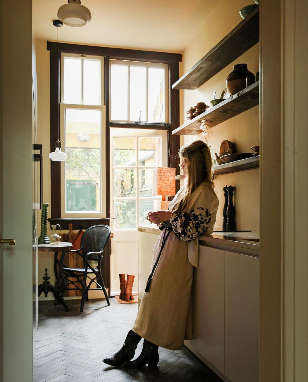 prateleiras de parede de cozinha |  destaque acessórios para casa