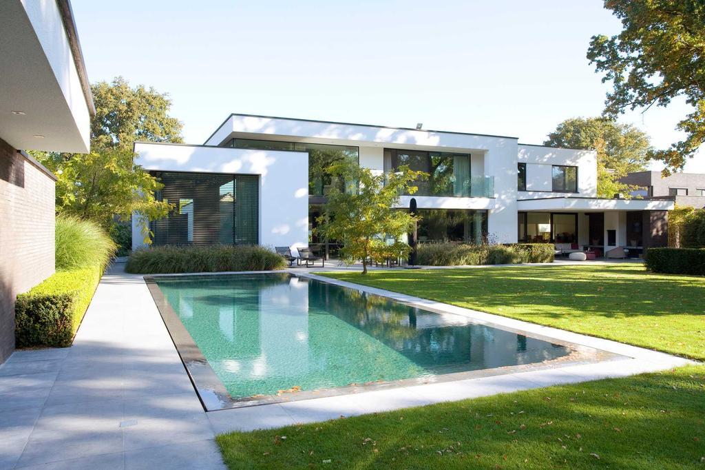 zwembad tuin villa