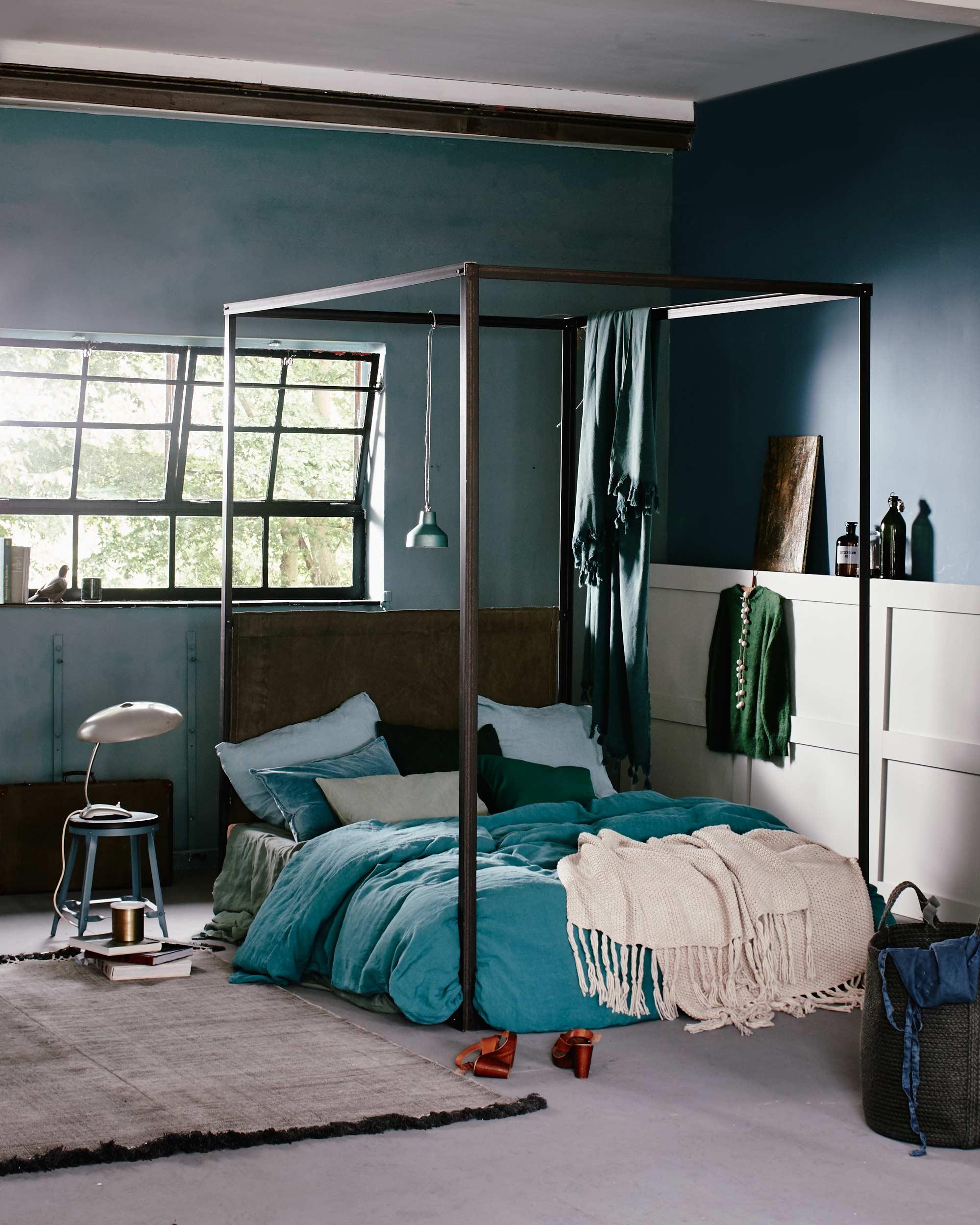 groene slaapkamer kruk nachtkastje