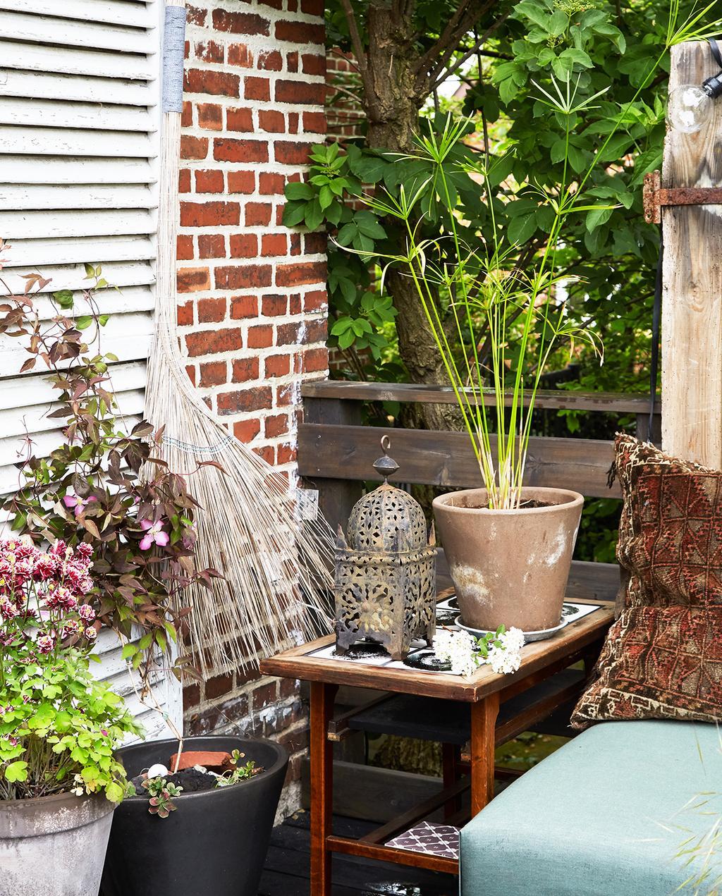 vtwonen tuin special 1 | tuin met uitgedeelte en Marrakech stijl