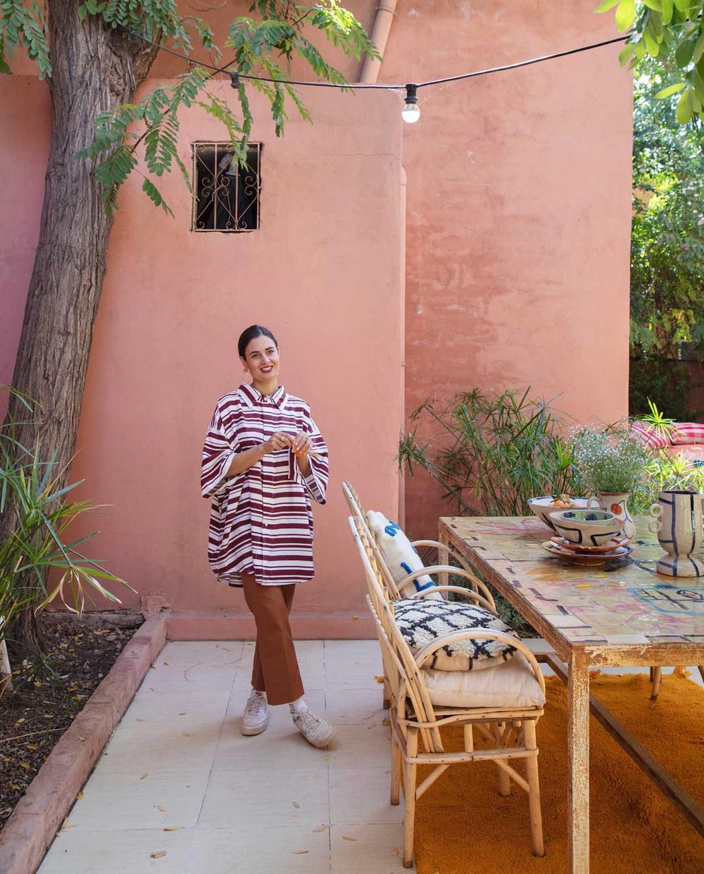 vtwonen 2020-09 | kijkkamer Marrakech | Laurence in de tuin