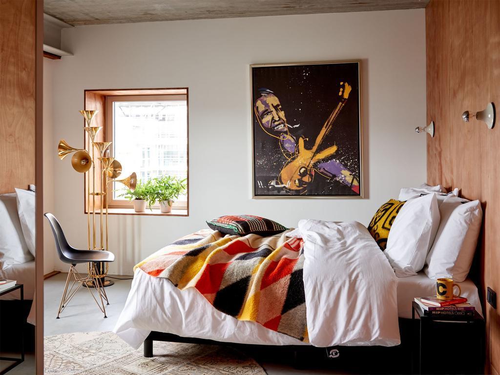 Q-Factory Hotel in Amsterdam