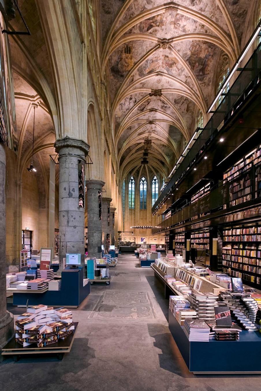 interieur librairie