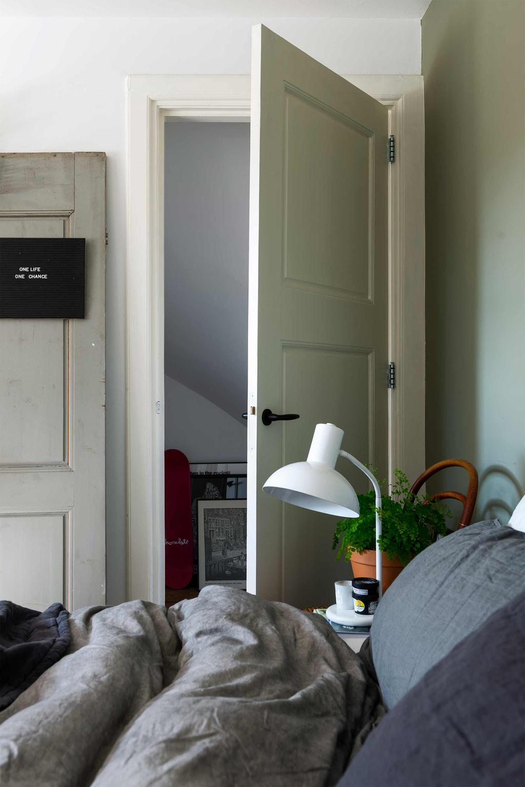 groen slaapkamer oude deur