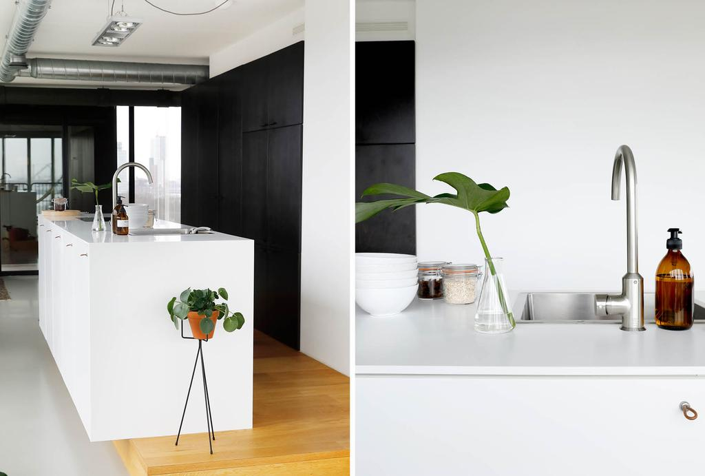 zwart-wit keuken met keukenblok