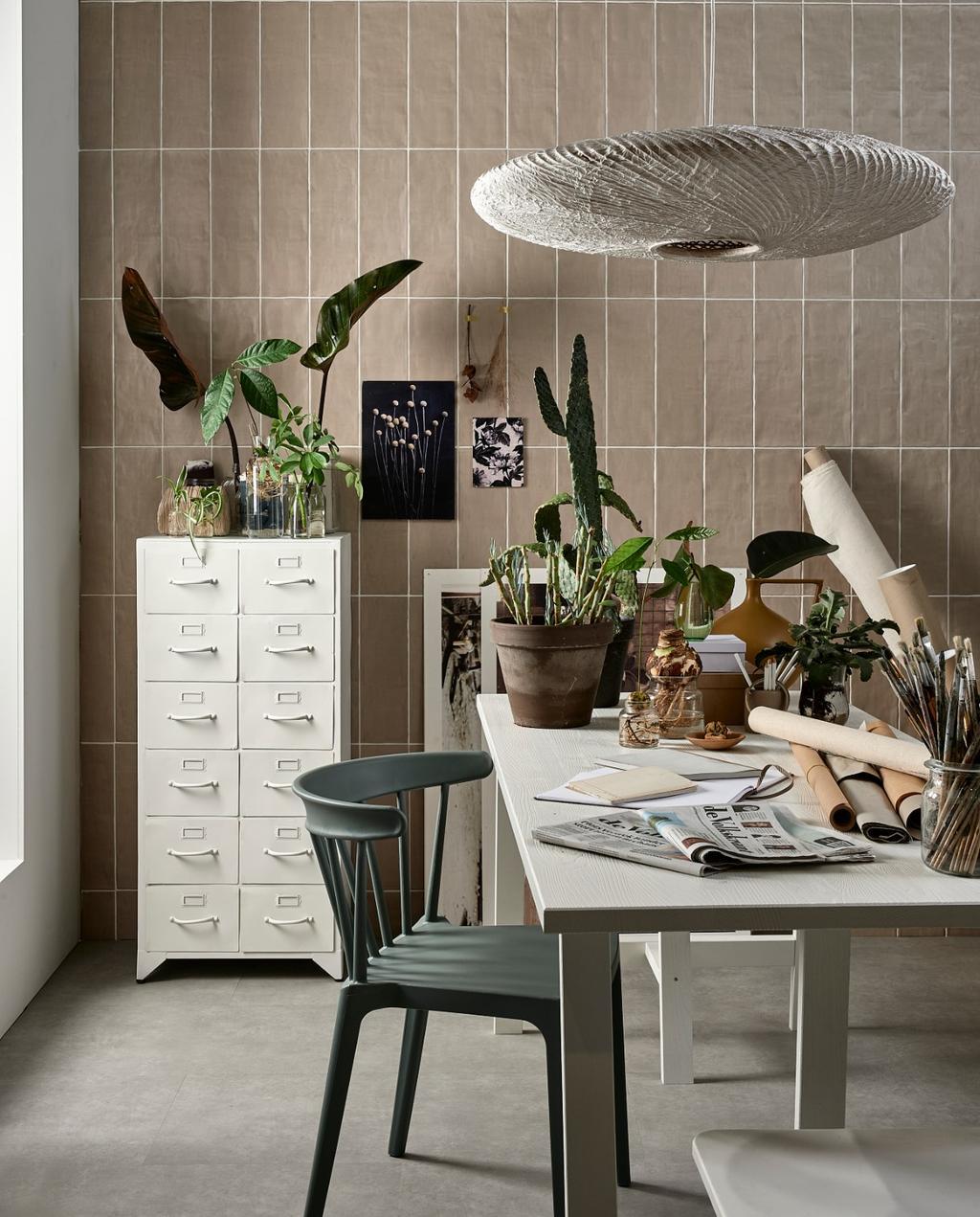 Een werkplek met kamerplanten voor op je wishlist