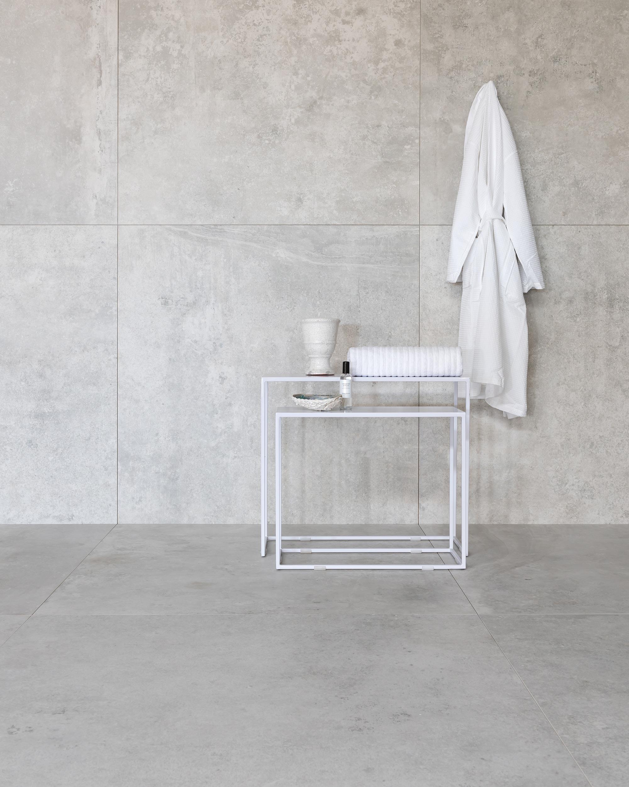 Giant tile white Piet Boon