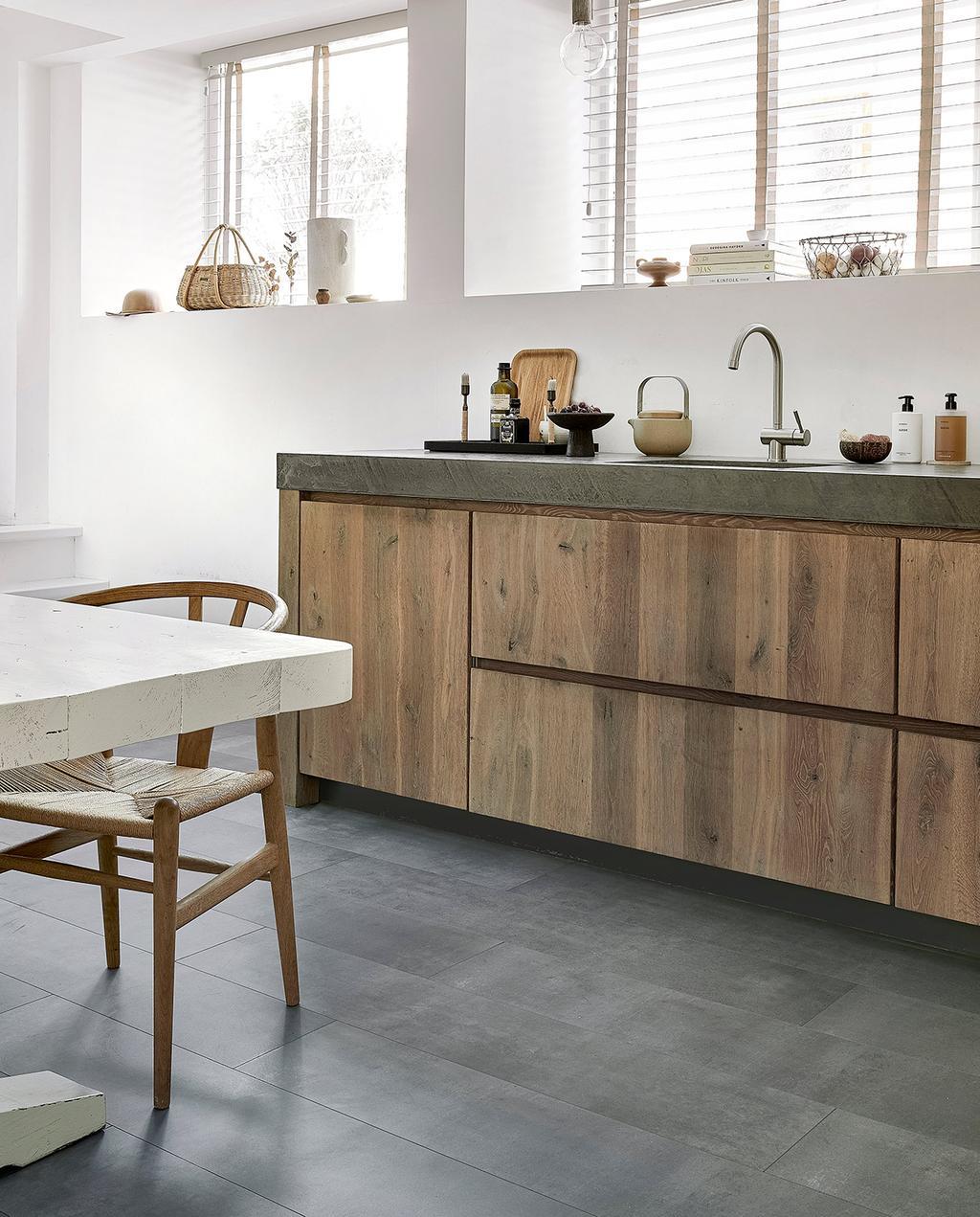 vtwonen 08-2021 | houten keuken met evc vloer