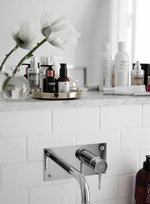 5 manieren om een dienblad te stijlen - Dienblad in de badkamer