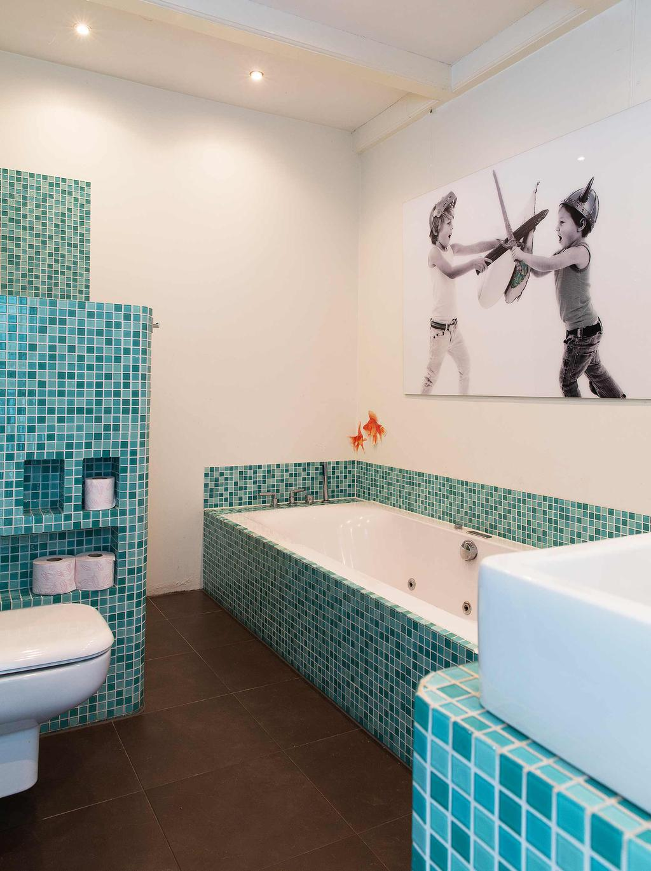 blauwe badkamer