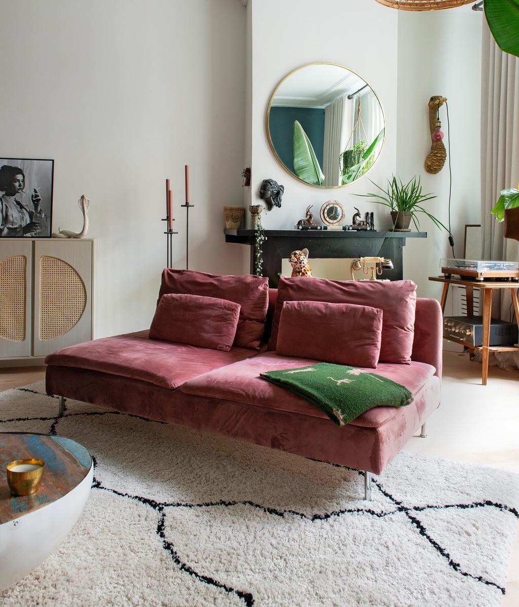 Roze fauteuil | vtwonen 01-2021