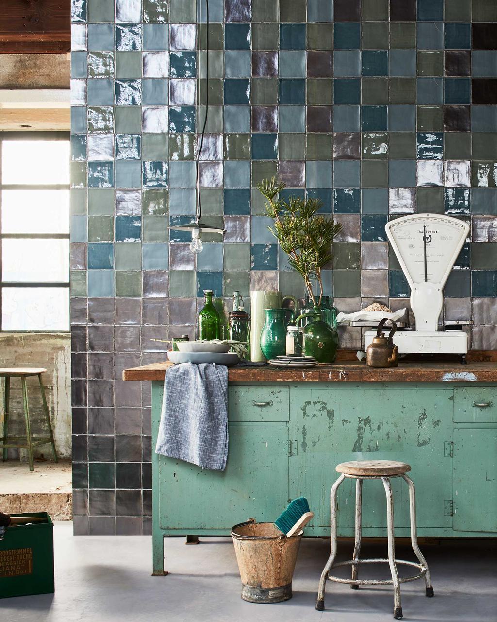 Tegelverf in keuken of badkamer
