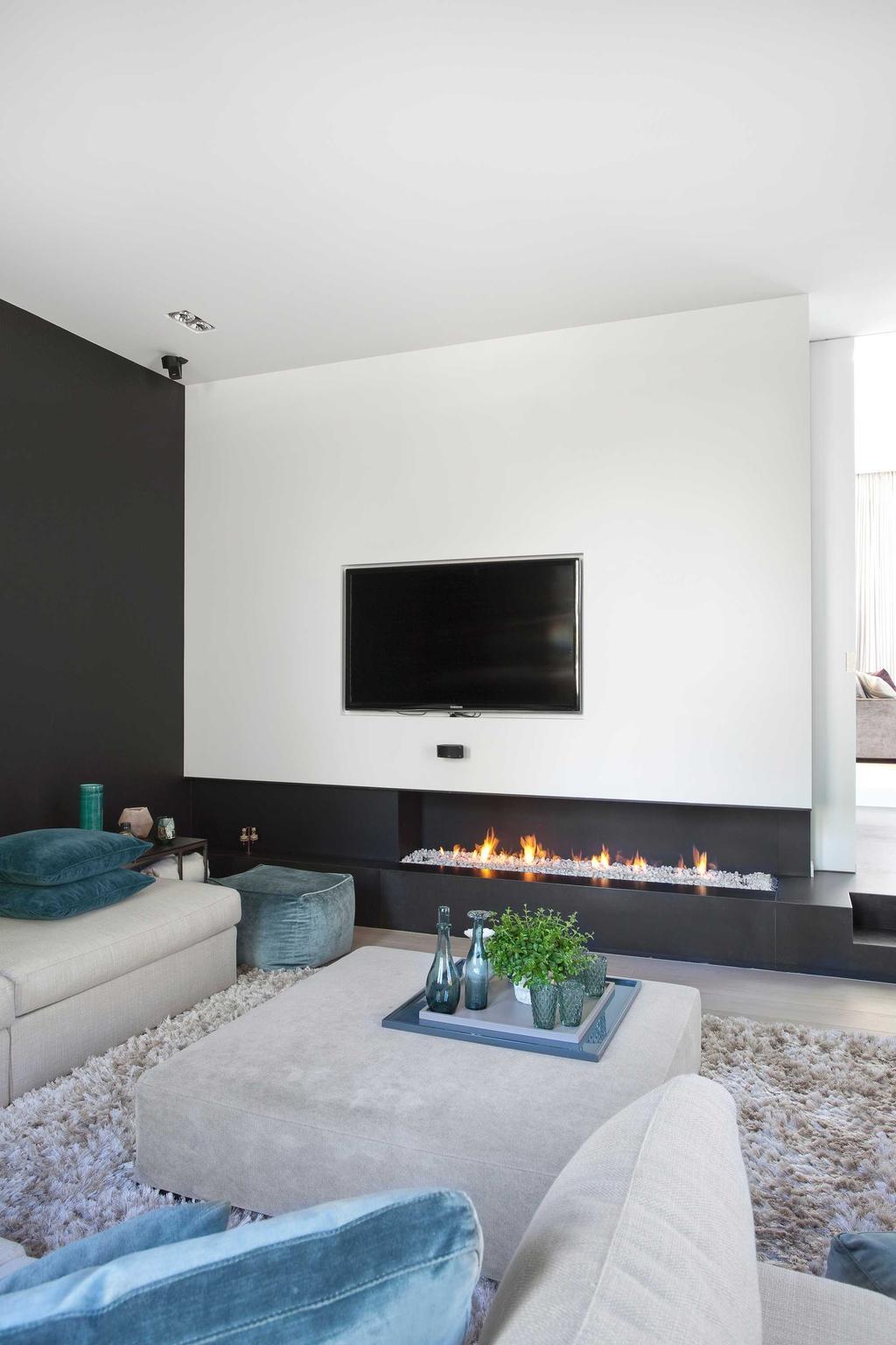 haardvuur tv woonkamer