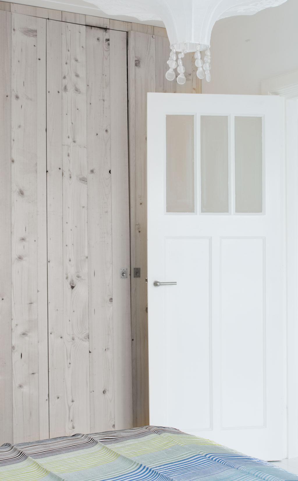 houten kledingkast