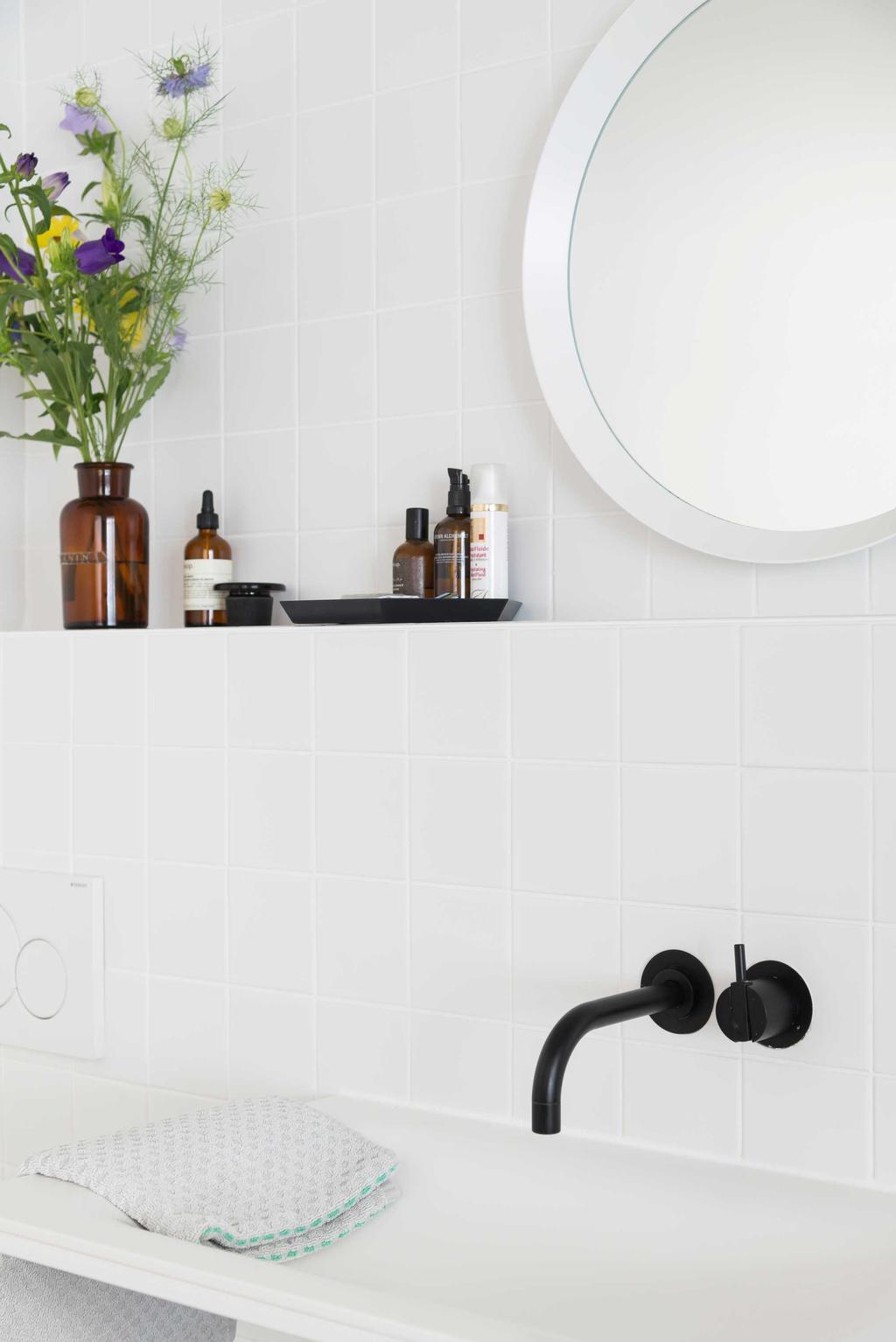 badkamer wit zwarte details