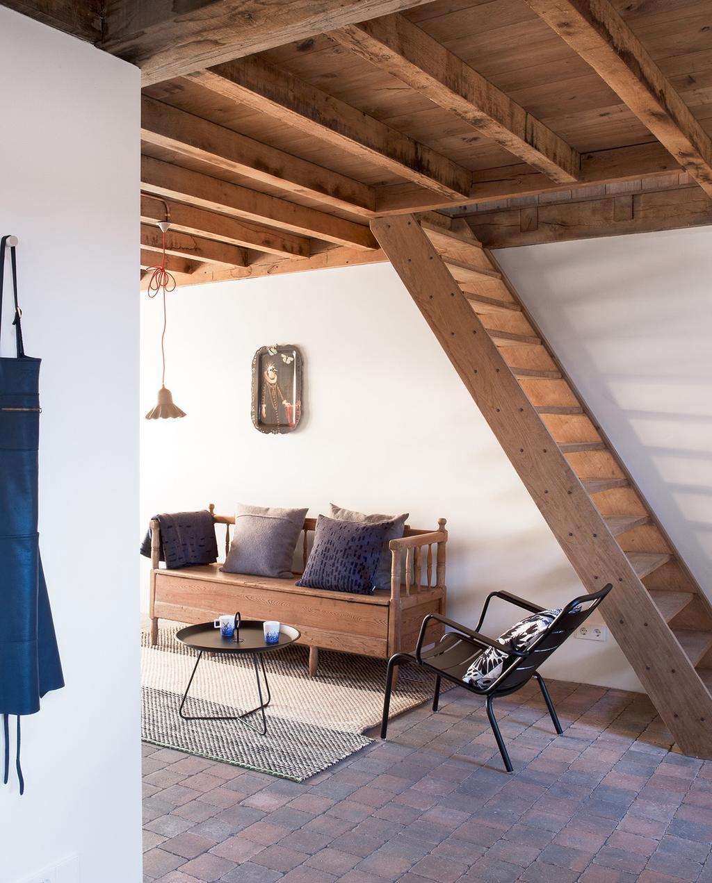 vtwonen special zomerboek 08-2020 | binnenkant van vakantiehuis in de Bed & Breakfast in Eindhoven