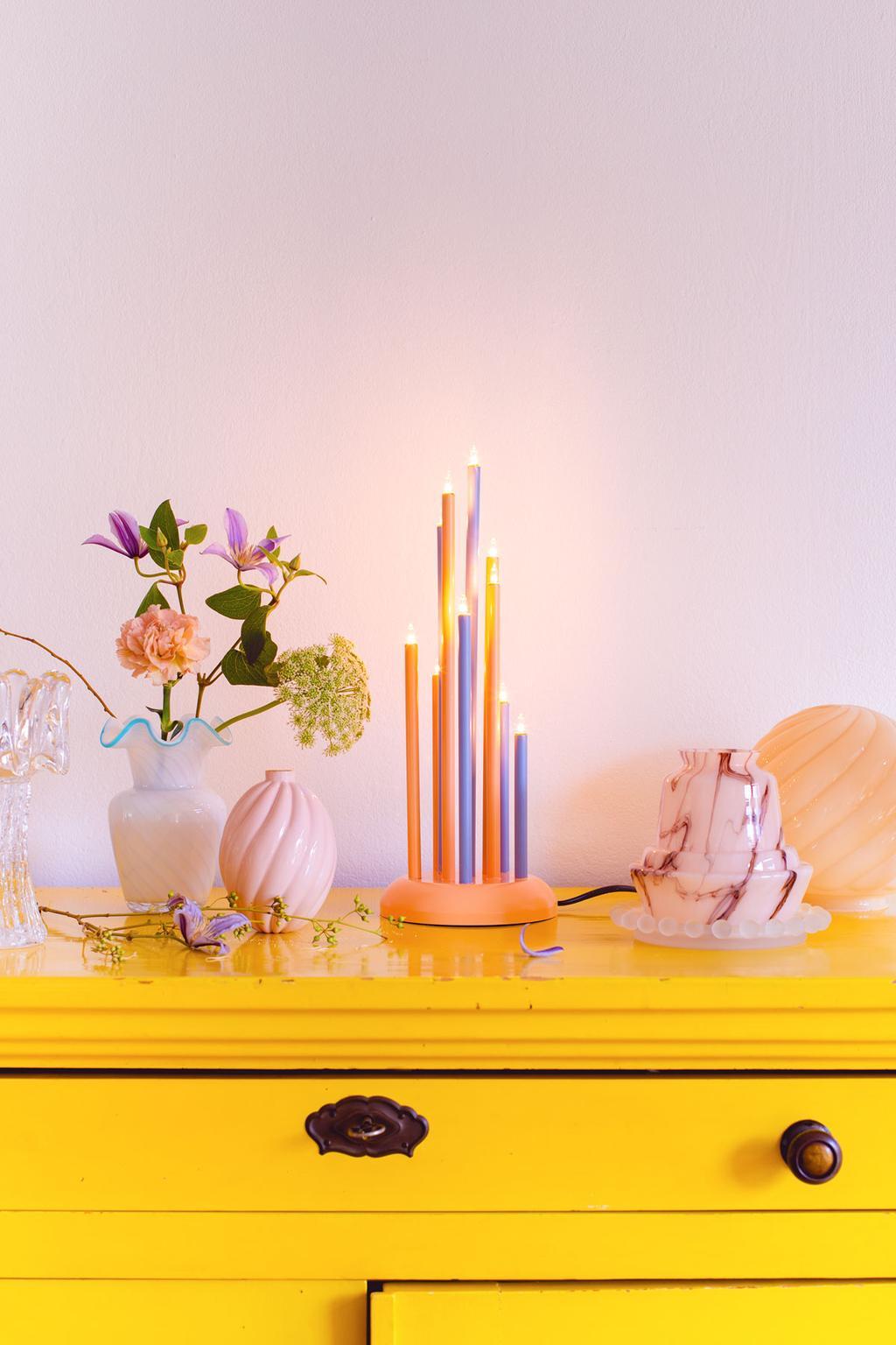 Blogger Oh Marie! vertelt hoe ze zelf kerst lichtjes maakt van vintage vondsten.