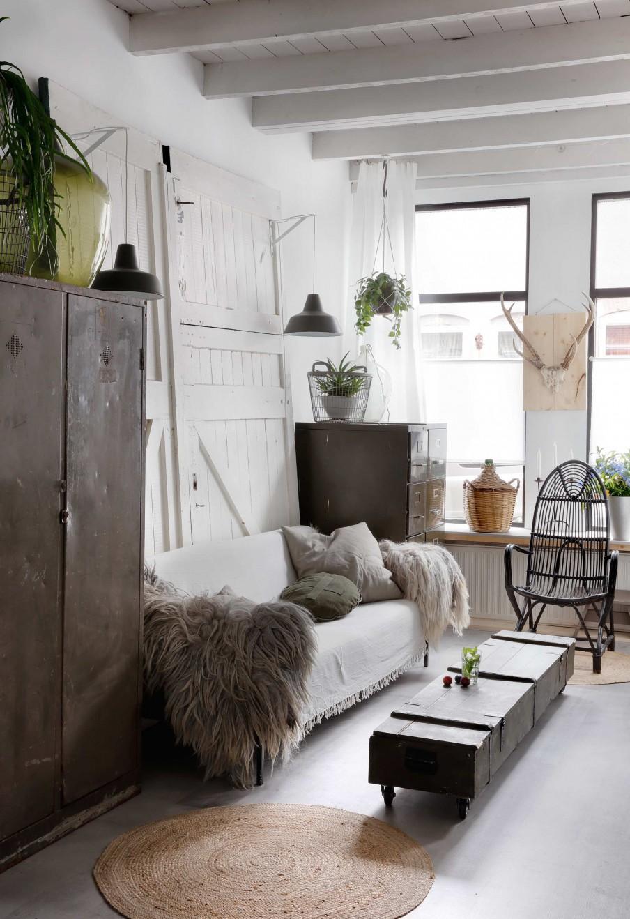 séjour blanc avec plantes