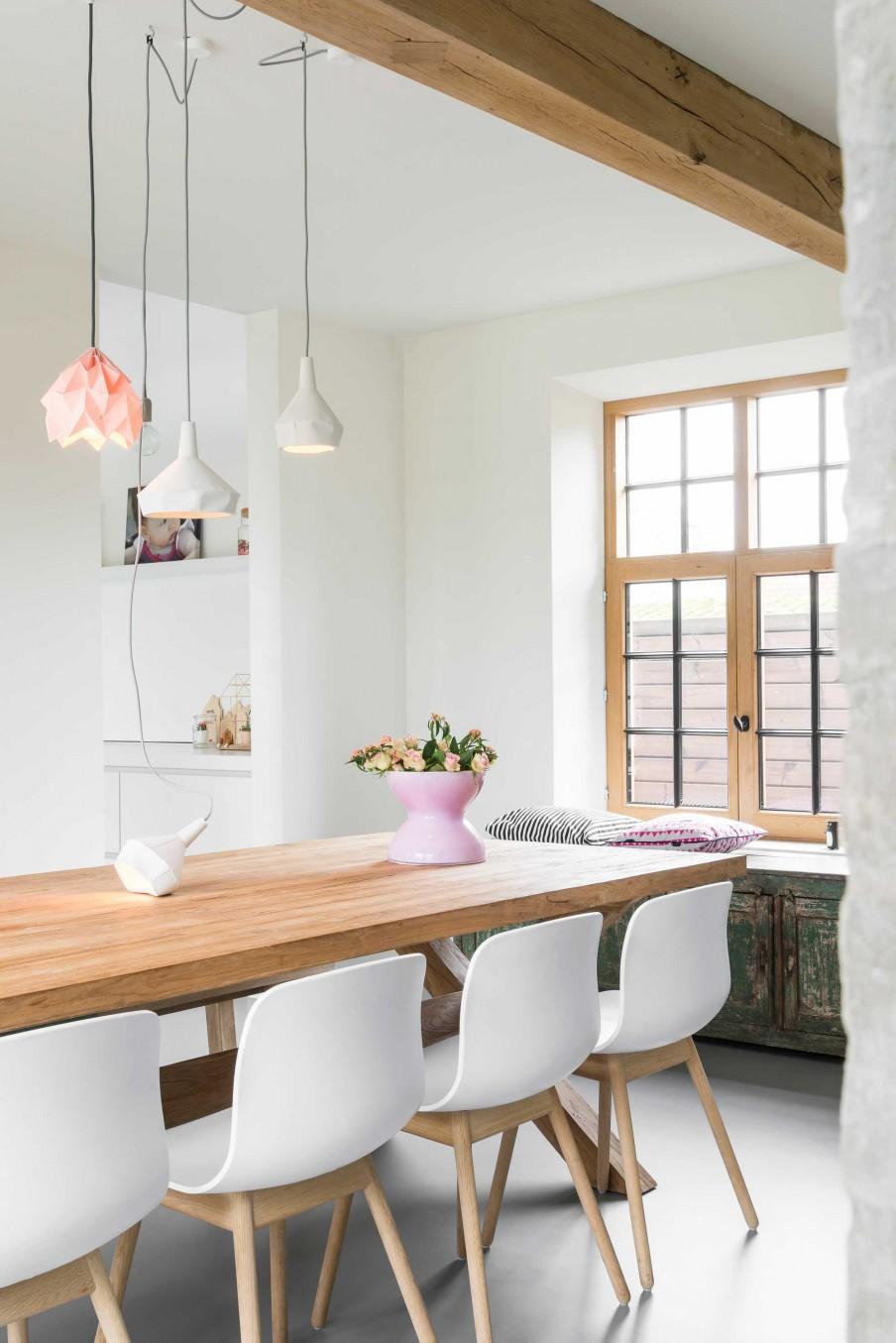 suspensions blanc et rose table