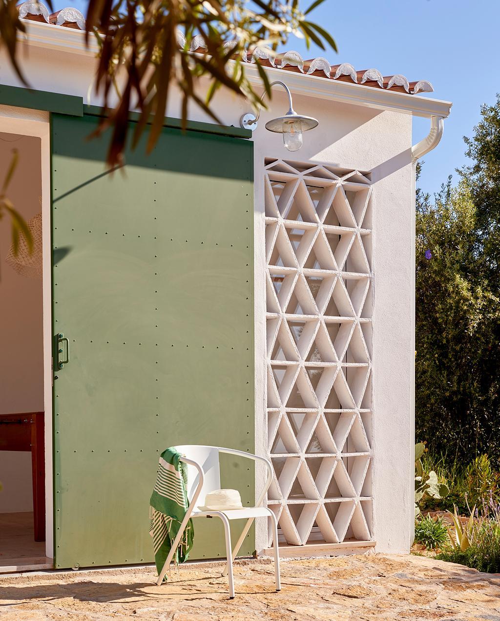 vtwonen tuin special 2 2020 | buitenplaats bestraat met tegels