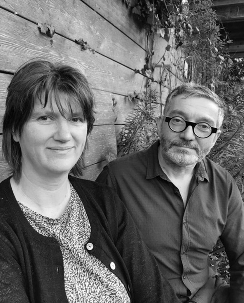vtwonen tuin special 1 | Portretfoto Margo van Beem en Emiel