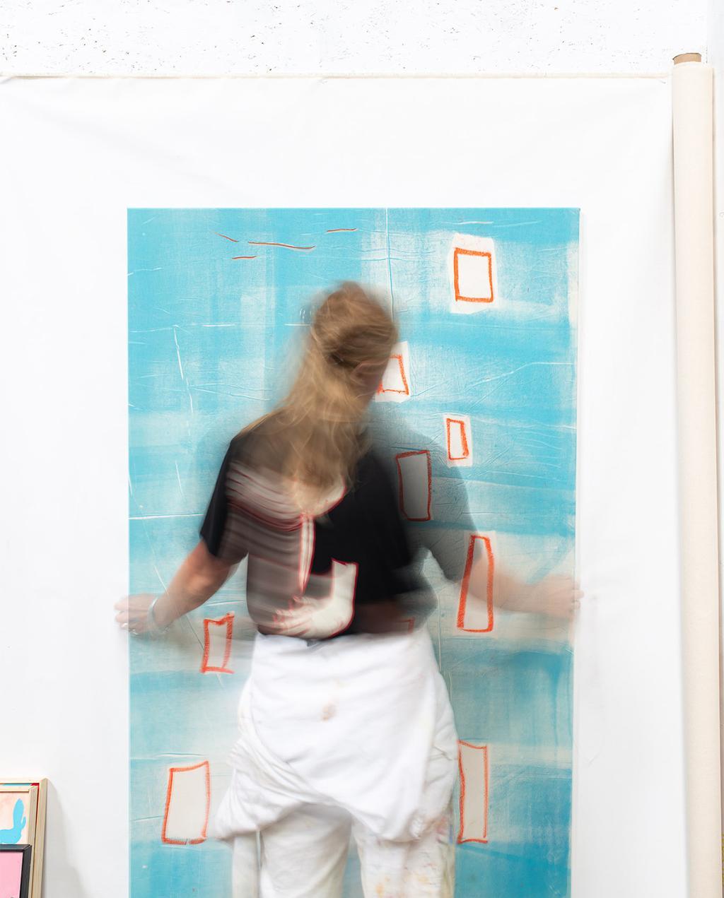 vtwonen 02-2021 | blauw schilderij met lisette