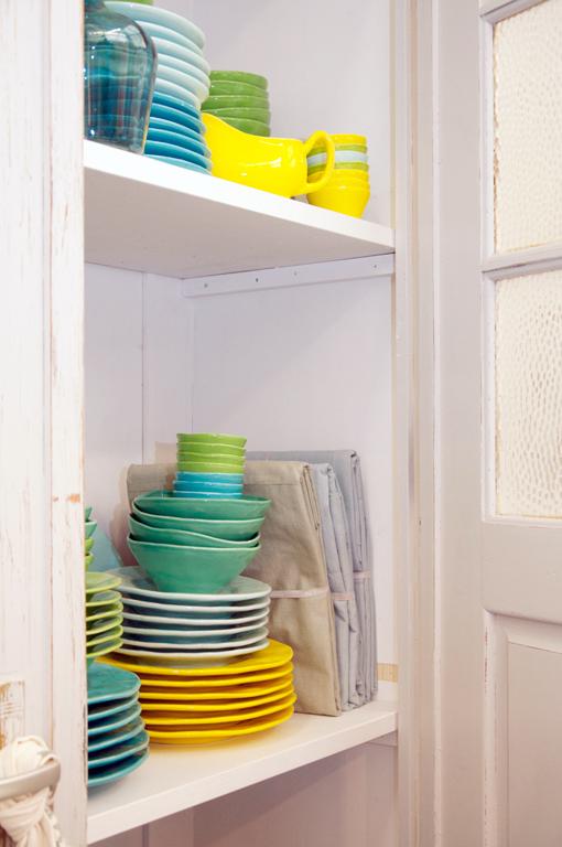 gekleurd servies