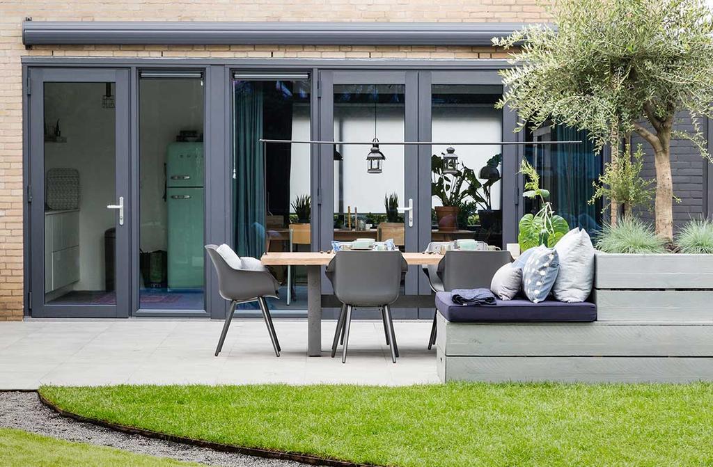 vtwonen tuin make-over met openslaande deuren
