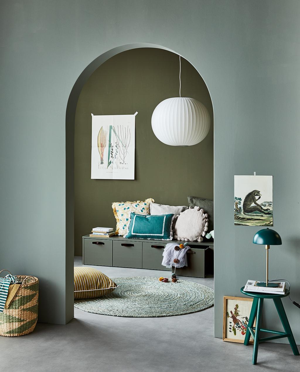 vtwonen 04-2021 | vtwonen collectie verf groene muur kleur camouflage en soap