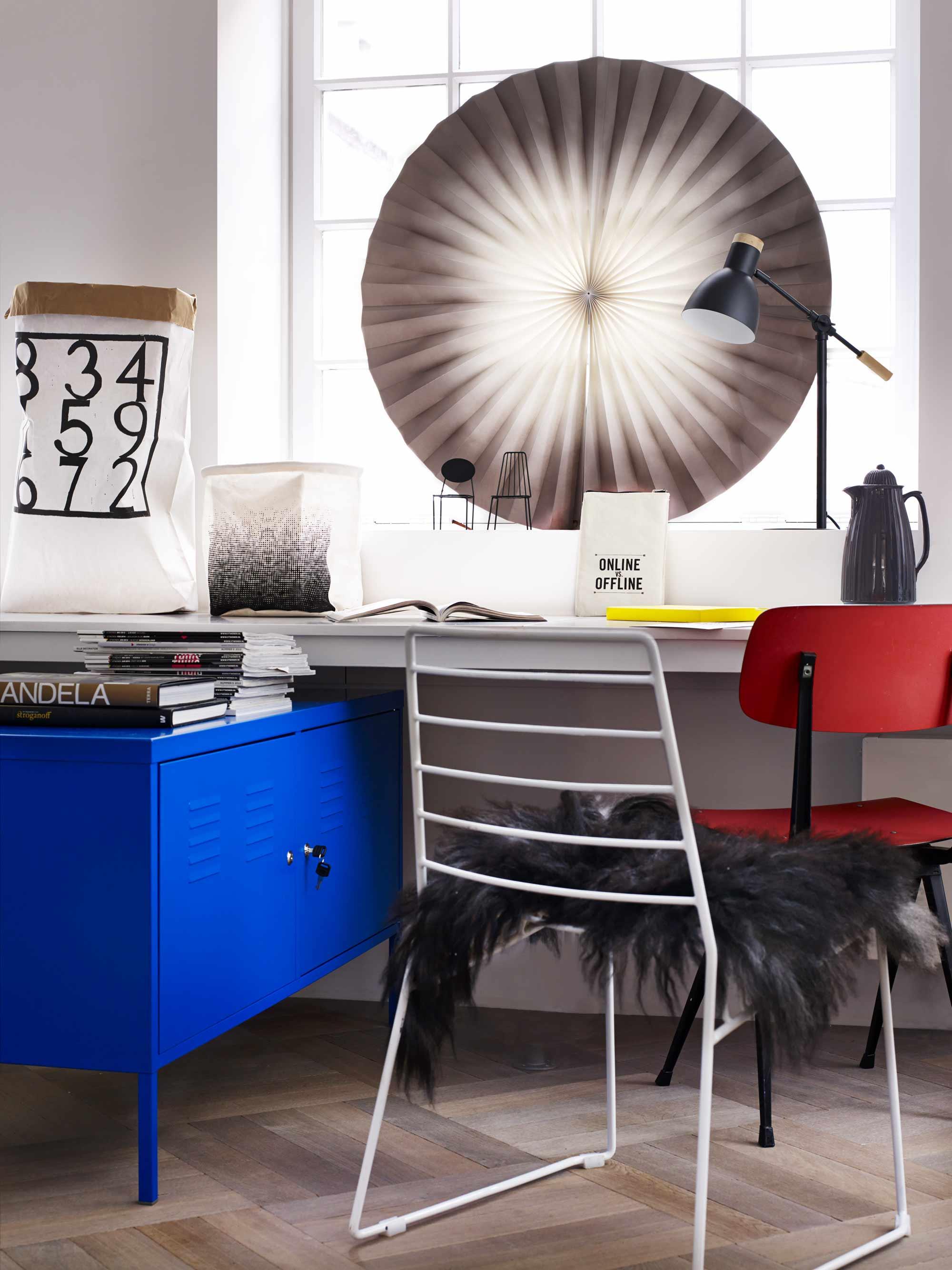 bureau-werkkamer-stoelen-manden