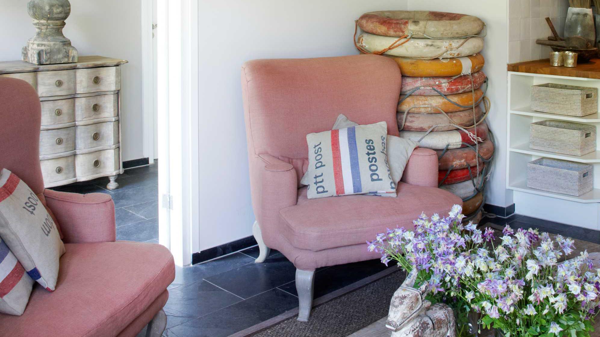 fauteuil coloré