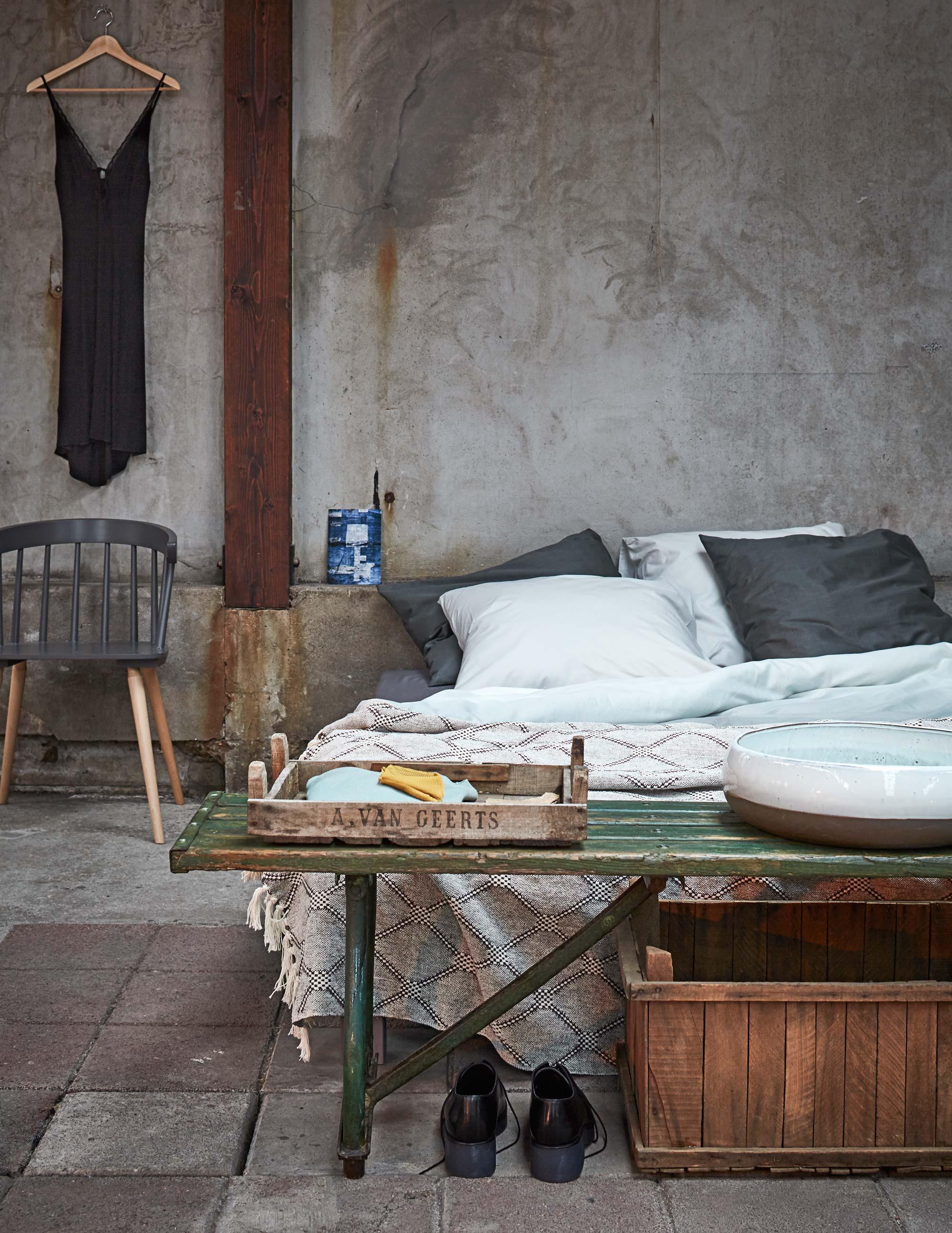 Slaapkamer-beton-hout
