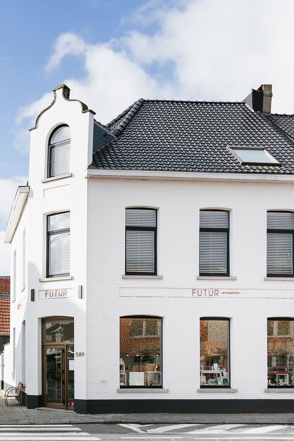 Voorkant en ingang van futur conceptstore in Ekeren