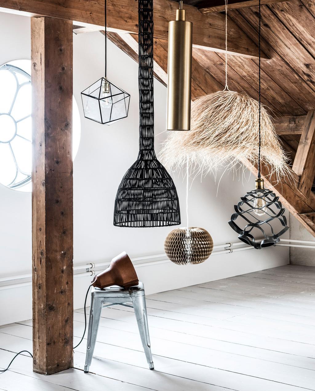 vtwonen 10-2018 | styling Marlies Does, fotografie Sjoerd Eickmans | lampen