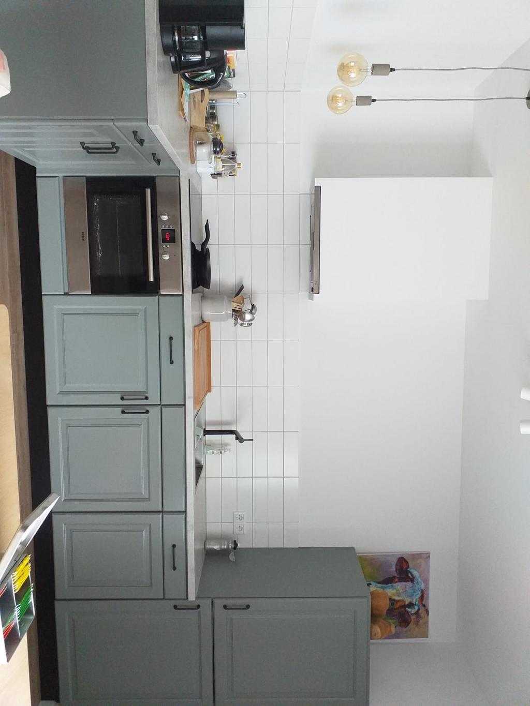 dit-heeft-mijn-zus-ervan-gemaakt-nieuw-blad-spoelbak-en-kookplaat-likje-verf-en-nieuwe-grepen-stucwerk-en-nieuwe-tegels
